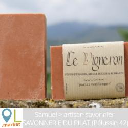 """Savon """"LE VIGNERON"""" (Pépins de raisin, argile rouge & romarin)"""